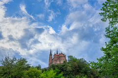 BasÃlica de Jultomten MarÃa la Verklig de Covadonga, Cangas de OnÃs, Asturias, Spanien Arkivbilder