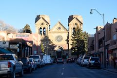 A basílica da catedral de St Francis de Assisi em Santa Fe, New mexico imagens de stock royalty free