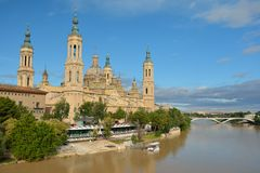 Basílica da coluna em Zaragoza, Saragossa, Espanha Fotografia de Stock Royalty Free