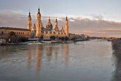 Basílica de nossa senhora da coluna no nascer do sol Foto de Stock Royalty Free