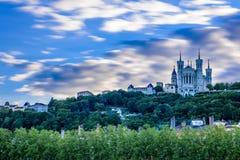 Basílica de Notre-Dame, colina de Fourviere en Lyon, Francia Fotos de archivo libres de regalías