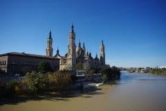 Basílica de Nuestra Senora del Pilar Cathedral em Zaragoza, Espanha fotos de stock royalty free