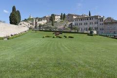 A basílica de san Francesco em Assisi imagens de stock royalty free