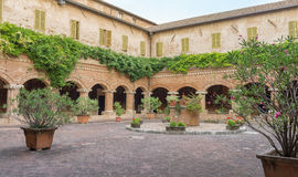 Basílica de San Nicola - Tolentino - Itália Imagens de Stock