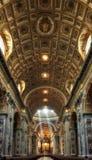Basílica de San Pedro con los rayos del sol Foto de archivo