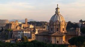 Basílica de Santa Maria en Ara Coeli And Colosseum almacen de metraje de vídeo