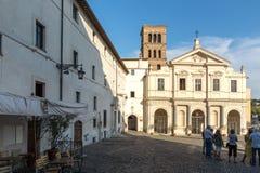 Basílica de St Bartholomew en la isla en la ciudad de Roma, Italia Fotos de archivo