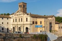 Basílica de St Bartholomew en la isla en la ciudad de Roma, Italia Foto de archivo