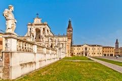 Basílica de StBenedict y abadía de Polirone en San Benedetto Po, Italia Fotografía de archivo libre de regalías