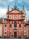 Basílica del ` s de San Jorge en el castillo de Praga en Praga Imágenes de archivo libres de regalías