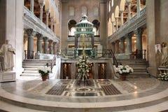 Basílica del santo Lorenzo fuera de las paredes fotos de archivo