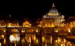 Basílica do St. Peter na noite Imagens de Stock