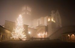 Basílica famosa de St Francis de Assisi en el tiempo de la Navidad Imagenes de archivo