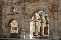 A basílica histórica de Cuilapan, Oaxaca, México imagem de stock