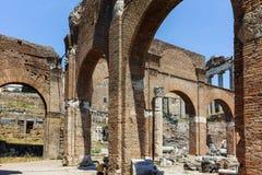 Basílica Julia en Roman Forum en la ciudad de Roma imagenes de archivo