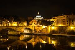A basílica monumental de St Peter no Vaticano, Itália Fotografia de Stock