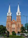 Basílica Notre-Dame de Saigon imagem de stock