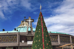 Basílica nova de Guadalupe Christmas Tree Mexico City México Imagem de Stock
