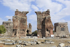 Basílica vermelha na cidade do grego clássico de Pergamon fotos de stock royalty free