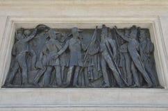 Bas-ανακούφιση στο άγαλμα του πορτογαλικού βασιλιά Στοκ εικόνες με δικαίωμα ελεύθερης χρήσης