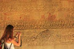 Bas-ανακούφιση τοίχων, ναός Angkor Wat Στοκ Φωτογραφία