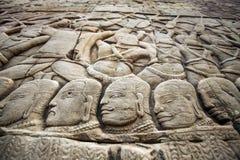 Bas-ανακούφιση τοίχων σε Angkor Wat σύνθετο Στοκ Εικόνα