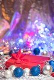 Bas et jouets de décoration de boules de Noël Photo libre de droits