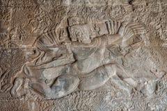 Bas-hulp in Angkor Wat stock fotografie