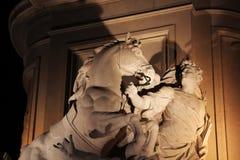Bas-hulp bij Standbeeld van Koning José I, Handelsvierkant, Lissabon, Portugal stock fotografie