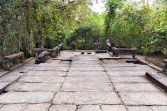 Bas-hulp Standbeeldachtergrond van Khmer Cultuur in Angkor Wat, Nok Stock Fotografie