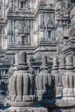 Bas-lättnader av det Prambanan tempelet, Java, Indonesien Arkivfoton
