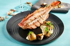 bas piec na grillu morze zdjęcie royalty free