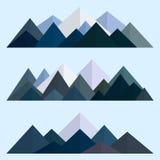 Bas poly ensemble de style de montagnes Arêtes polygonales de montagne Illustration EPS10 de vecteur Photos stock