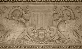 Bas-relevo do estado Opera de Viena Fotos de Stock Royalty Free