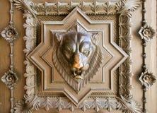 Bas-relief capo del leone fotografie stock libere da diritti