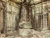 Bas-relief d'Apsara sur la pierre du temple de Prohm de ventres, Angkor Thom, Siem Reap, Cambodge Photos libres de droits