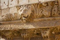 Bas Relief och Lion Head Figure, Baalbek, Libanon, Mellanösten royaltyfria bilder