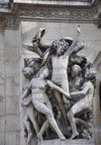 Bas-relief Paris de façade de Garnier d'opéra dans les Frances Photographie stock