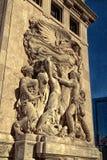 Bas Relief Sculptures Along The 1928 el río Chicago Imágenes de archivo libres de regalías