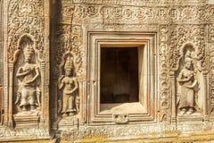 Bas-relief sur la pierre, merci temple de Prohm, Angkor Thom, Siem Reap, Cambodge Photo libre de droits