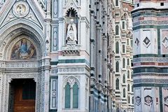 Bas-reliefs da catedral de Florença em Italy Foto de Stock Royalty Free