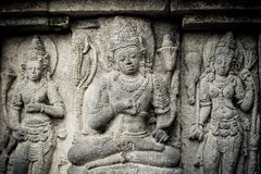 Bas-reliefs del templo de Prambanan, Java, Indonesia Imágenes de archivo libres de regalías
