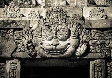 Bas-reliefs del templo de Prambanan, Java, Indonesia fotografía de archivo