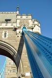 bas som bearing tornet för lättnader för brodetaljjärn Royaltyfria Foton