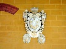 Bas ulgi marmuru grzebień Z aniołami, Pisa, Włochy obraz royalty free