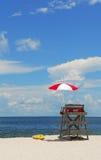 Basamento del bagnino sulla spiaggia Fotografie Stock