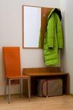 basamento di corridoio del cappotto fotografia stock