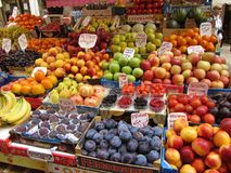 Basamento di frutta di Venezia Italia Fotografia Stock