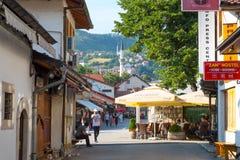 "Bascarsija †de ""oude bazaar in Sarajevo Bosnië-Herzegovina op 12 Juli 2017 stock fotografie"