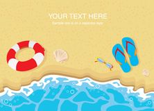 Bascules électroniques, lunettes de soleil et interpréteurs de commandes interactifs sur la plage Photographie stock libre de droits